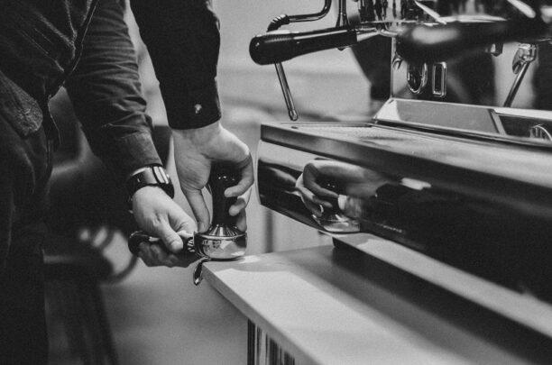 Як відкрити і ефективно керувати кафе/баром/рестораном в кризу. Великий практичний курс.